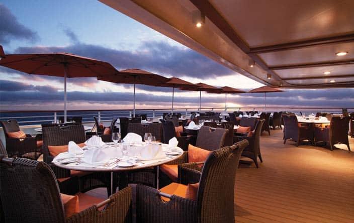 Terrace caf lunch dinner buffets oceania cruises for Dinner on the terrace