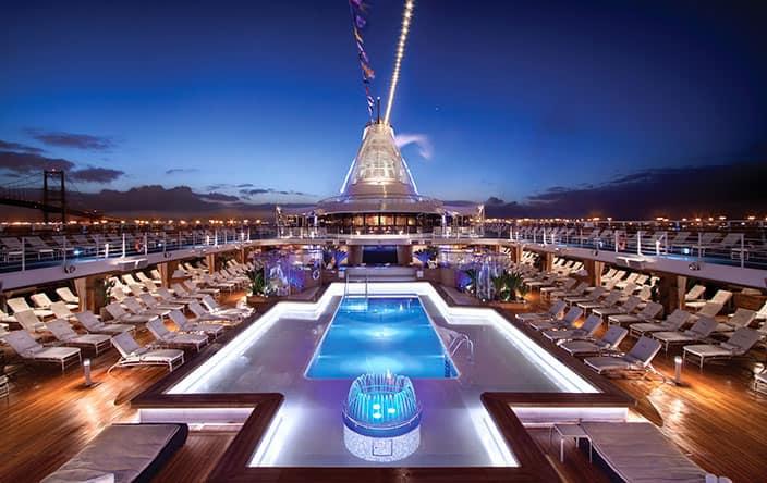 Бассейн на палубе Oceania Cruises