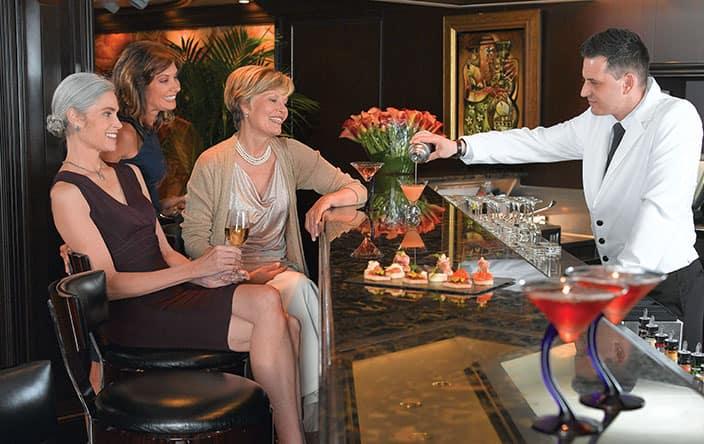 Martinis бар на круизном лайнере Riviera