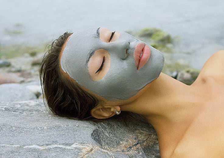 Mud facial therapy